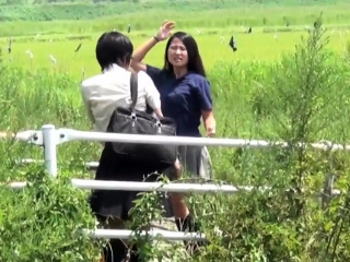 Japanese teens gush pee and get watched