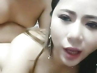 Chinese homemade Live chubby girl fuck at home natrual tits
