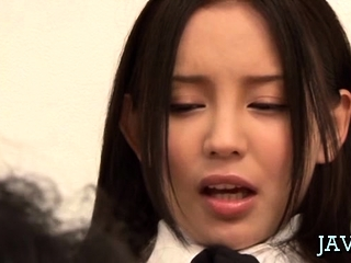 Japanese housewife gives a steaming sexy oral-service