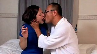 Japanse prostituee wordt geneukt door haar arts menacing(zie meer:menacing shortina.comqi2i5ea)