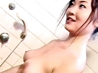 Japanese Amateur Shower BJ (Uncensored JAV)