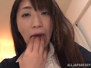 Japanese babe sticks a hard toy in her gash