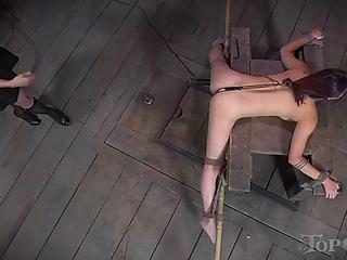 Compliant oriental beauty lea receives straponed by her mastix bella rossi